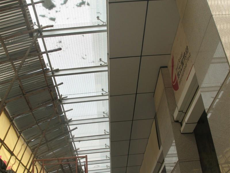 广东珠江纺织博览中心东励纺织商铺雨棚